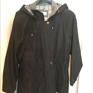 Liz Claiborne lightweight raincoat